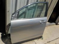 2015 Honda CR V Front driver DOOR ASSEMBLY SILVER dented Replacement