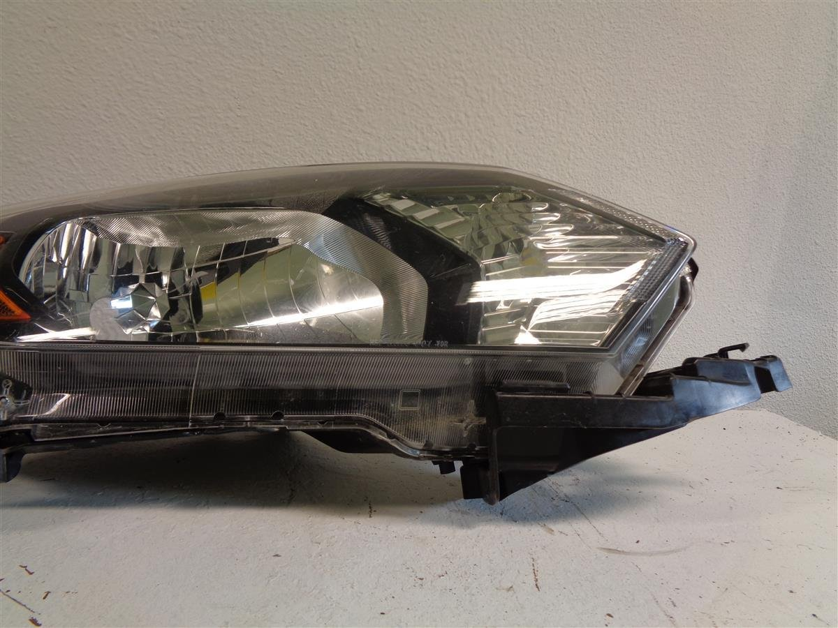 2017 Honda HR V Passenger HEADLAMP complete Replacement
