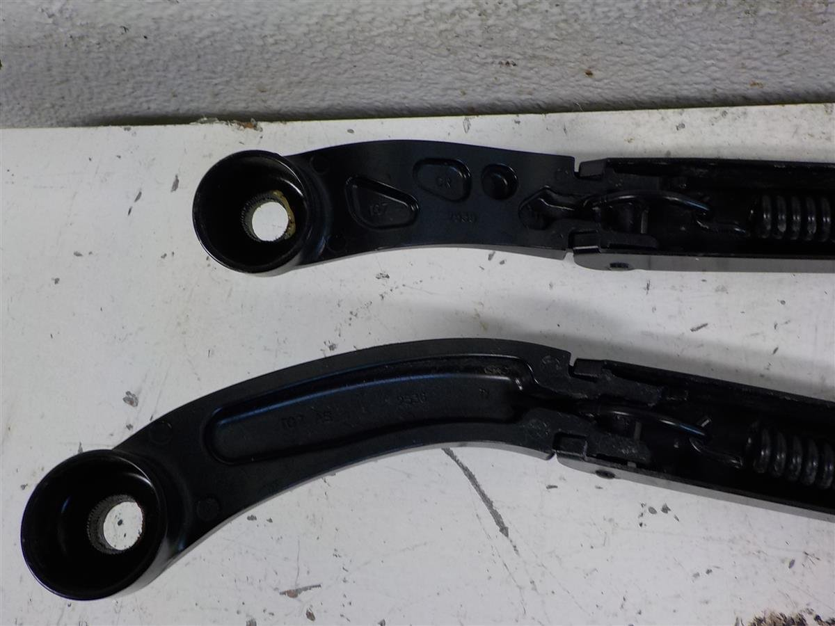 2016 Honda Pilot Driver + Passenger Wiper Arm Set Replacement