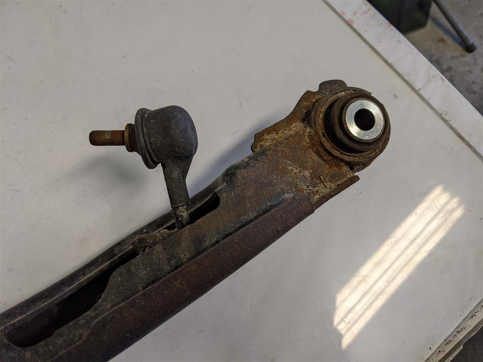 2018 Honda Odyssey Rear Driver Lower Control Arm B Replacement