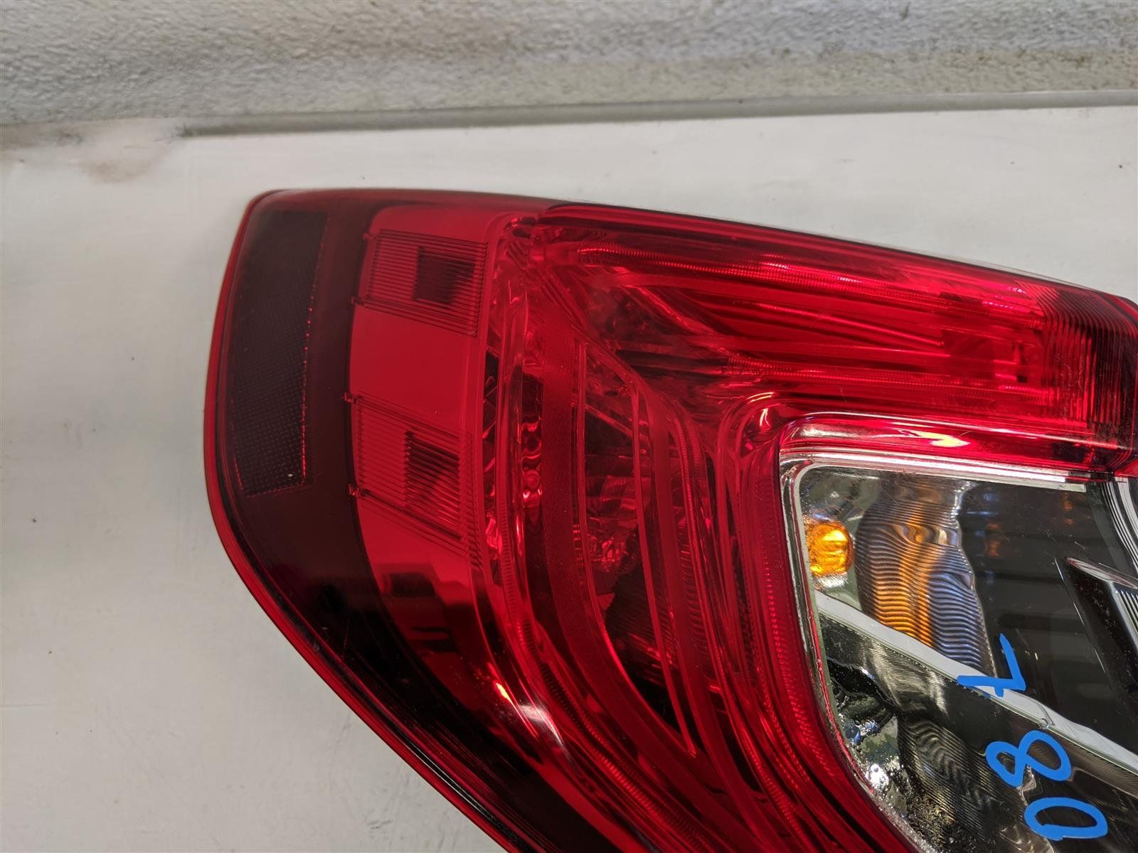 2018 Honda Civic 4dr Driver Tail Light Lamp Quarter Mount Replacement