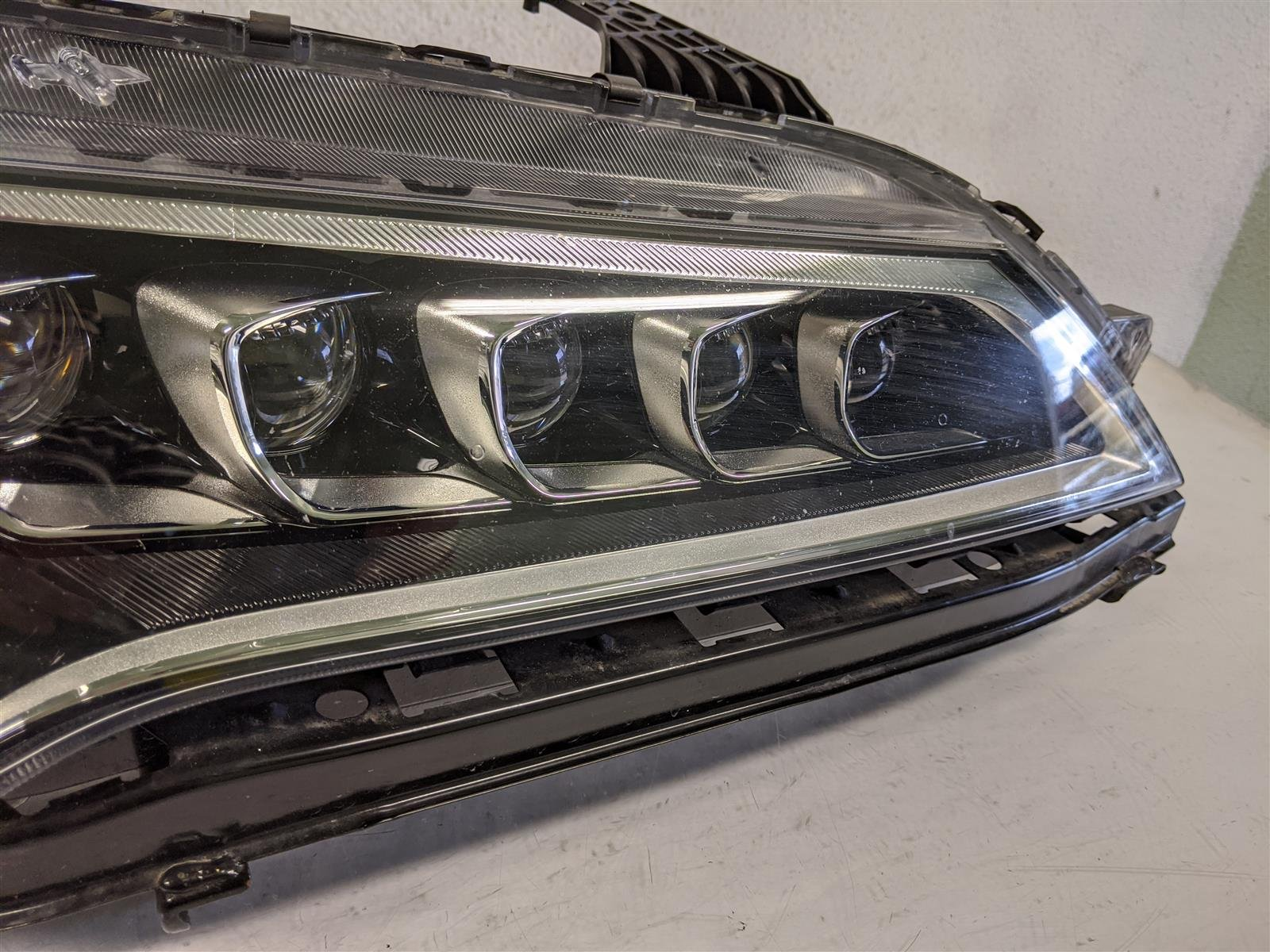 2017 Acura TLX Passenger Headlight Lamp Complete Replacement