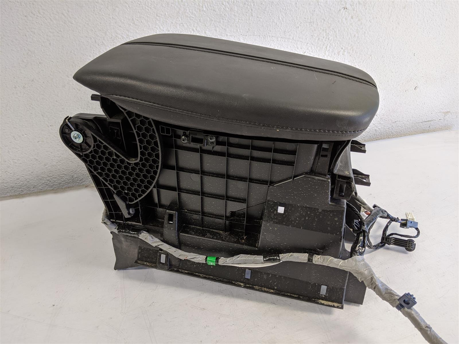 2017 Acura TLX 2.4l Floor Center Console Arm Rest Replacement
