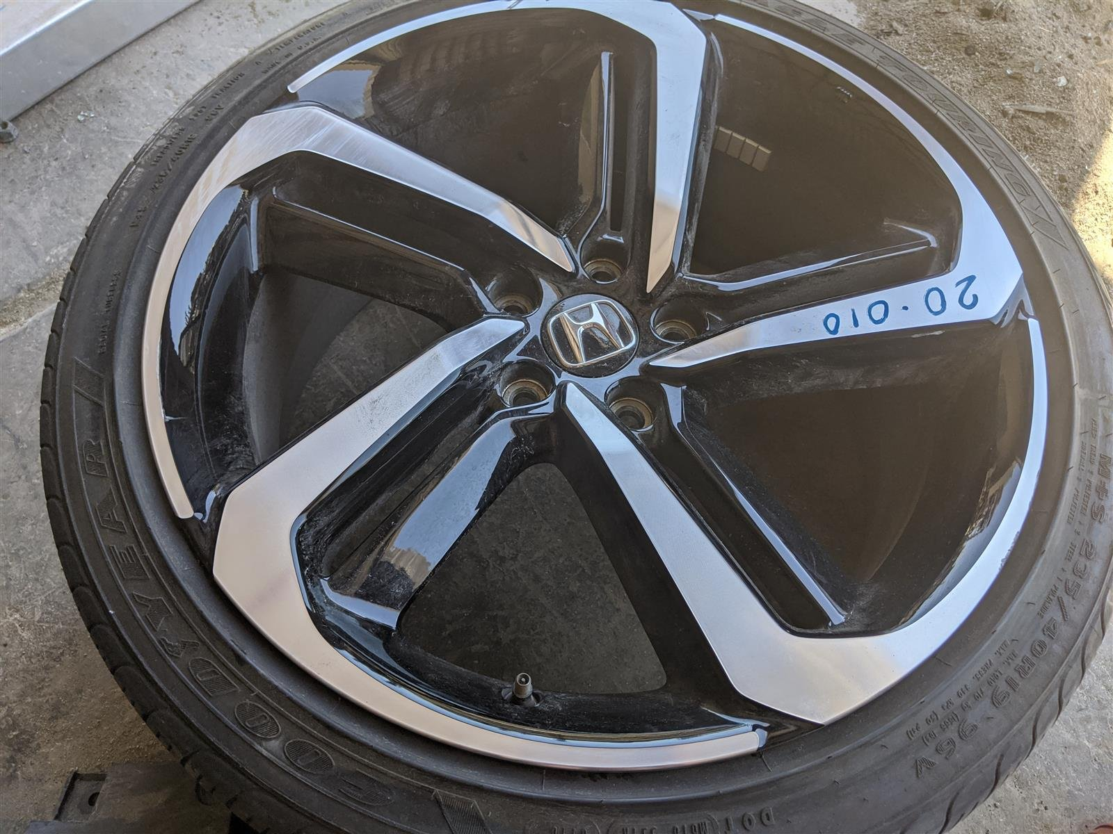 2018 Honda Accord 19 Inch Sport Wheel Small Scratches Replacement