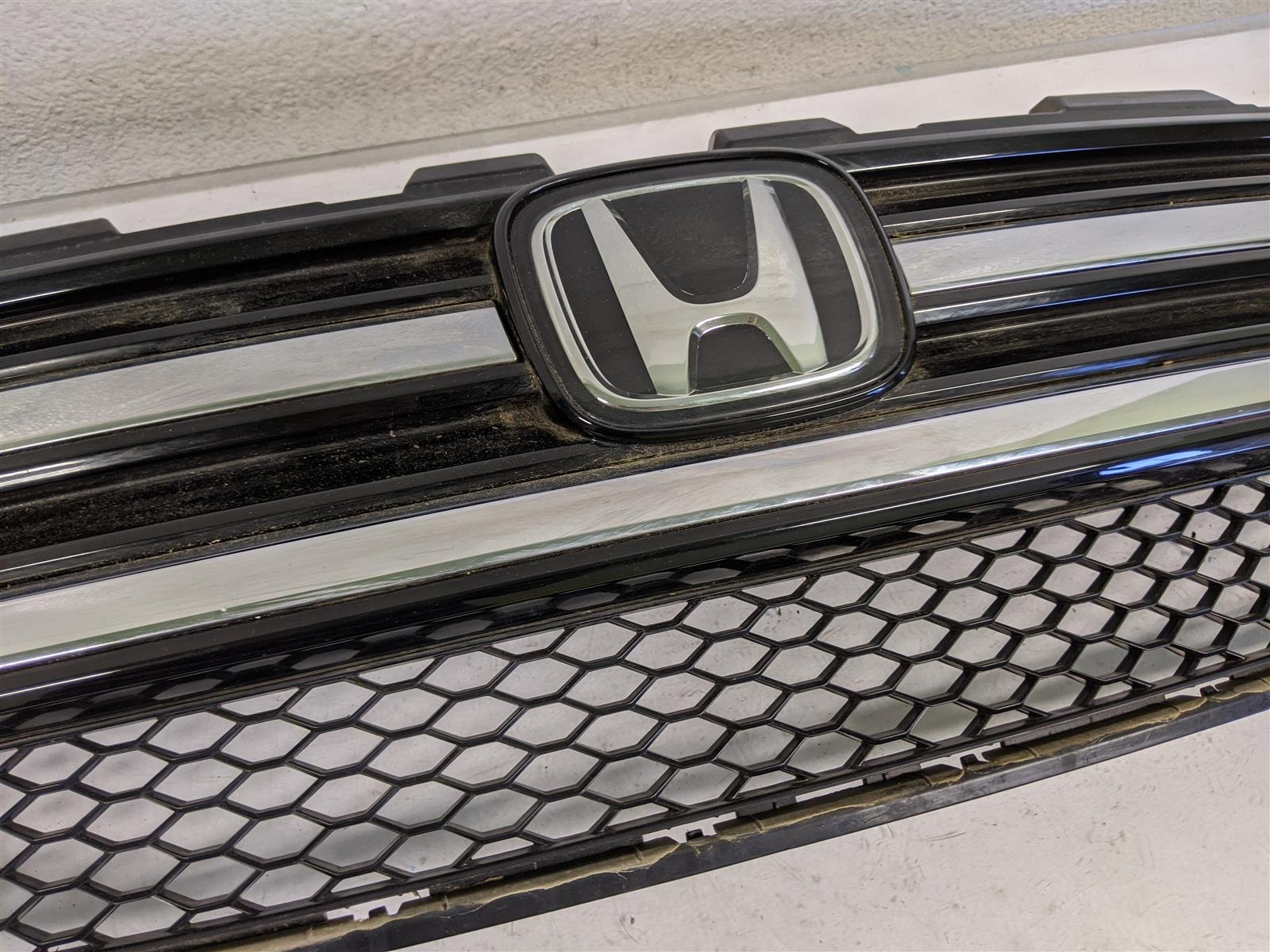 2017 Honda Pilot Grille Assembly Elite Replacement