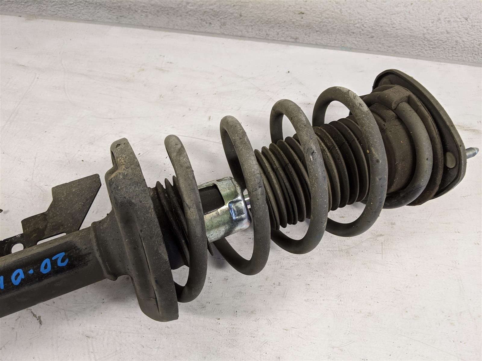 2014 Honda Odyssey Front Passenger Strut And Spring Replacement