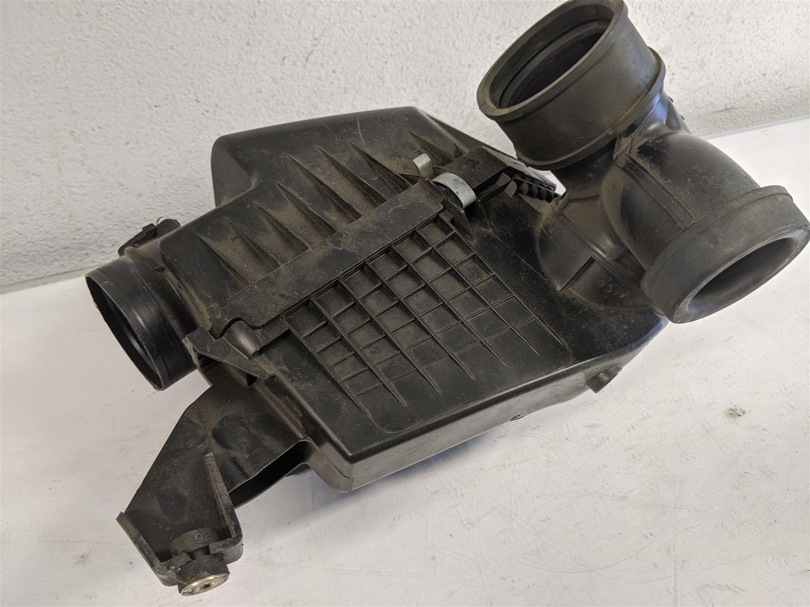 2014 Honda Odyssey Air Cleaner Box Assy Replacement