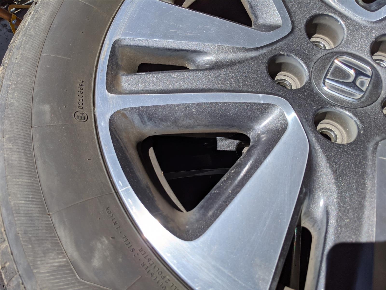2014 Honda Odyssey Front Driver 18 Inch Rim, Small Scratches Replacement
