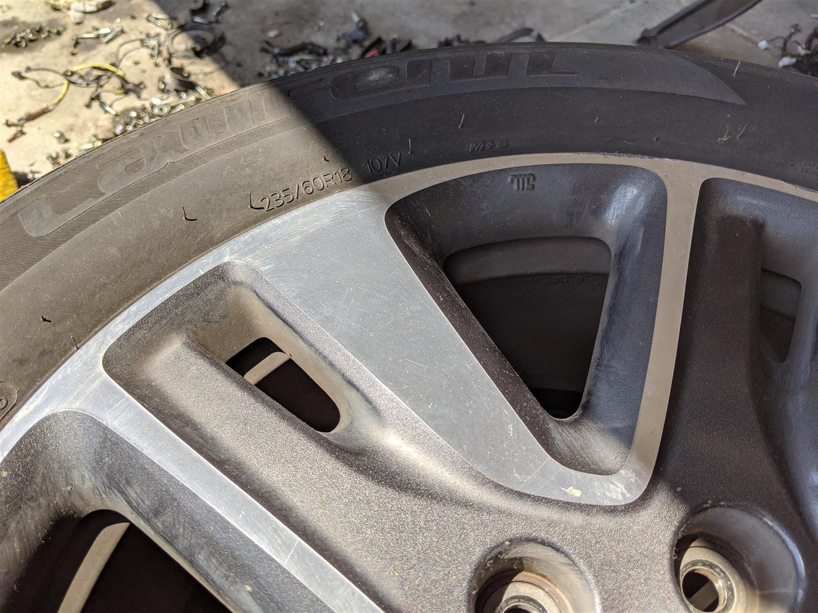 2014 Honda Odyssey Front Passenger 18 Inch Rim, Small Curb Replacement